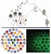 הדמיה של תהליך ההרכבה העצמית: ייצור חלבונים ואר-אן-אי ריבוזומליים מגדילי די-אן-אי סינתטיים על-גבי שבב מוביל להרכבה עצמית של תת-יחידה חדשה של ריבוזום – גם היא על-גבי השבב. למטה משמאל: הדמיה של גדילי די-אן-אי מקובצים בכמה מברשות צפופות בצורת מעגלים, מימין: דימות פלואורסצנטי של מרבדים של תתי-היחידה שנוצרו בתום תהליך ההרכבה. פרופ' רועי בר-זיו, מכון ויצמן