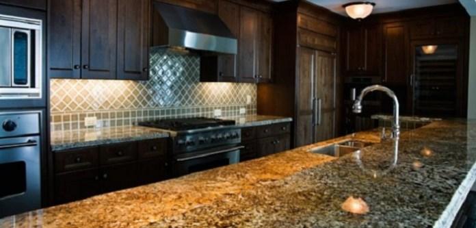 Granit Yüzeyler İçin Temizlik Spreyi Yapımı
