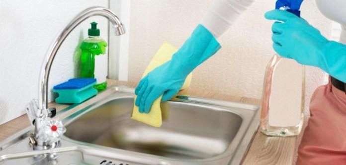 Mutfaktaki Yağlı Yerleri Temizlemenin Kolay Yolu