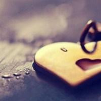 """كيف أقول له """"أحبك"""" من دون كلام؟!"""
