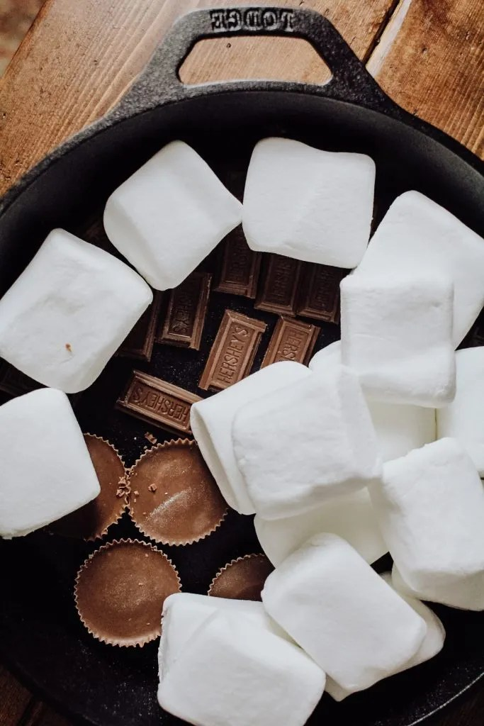 Easy Grilled S'mores Dip Recipe
