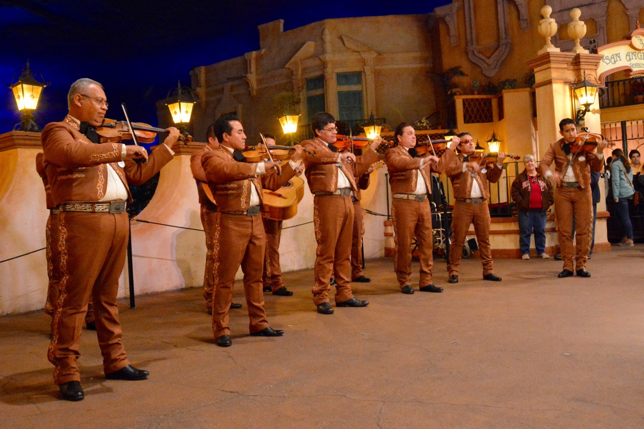 https://i0.wp.com/www.hayesvision.com/home/wp-content/gallery/2016-01-sawyers-birthday/Mariachi-Cobre-Mexico-Band-Epcot.jpg