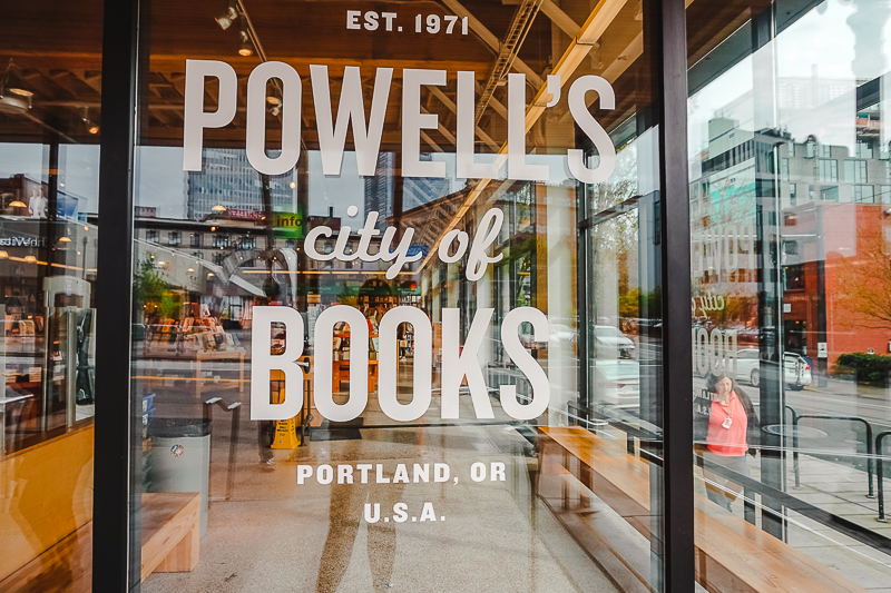 Fun things to do in Portland, Oregon - visit Powell's Books