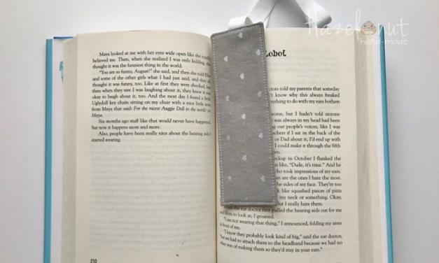 How to Sew an Elastic Bookmark