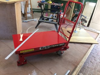 New hydraulic lifting table ready for ply base