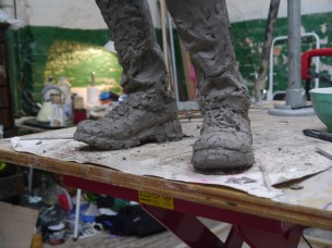 Getting the shape of the safety shoes