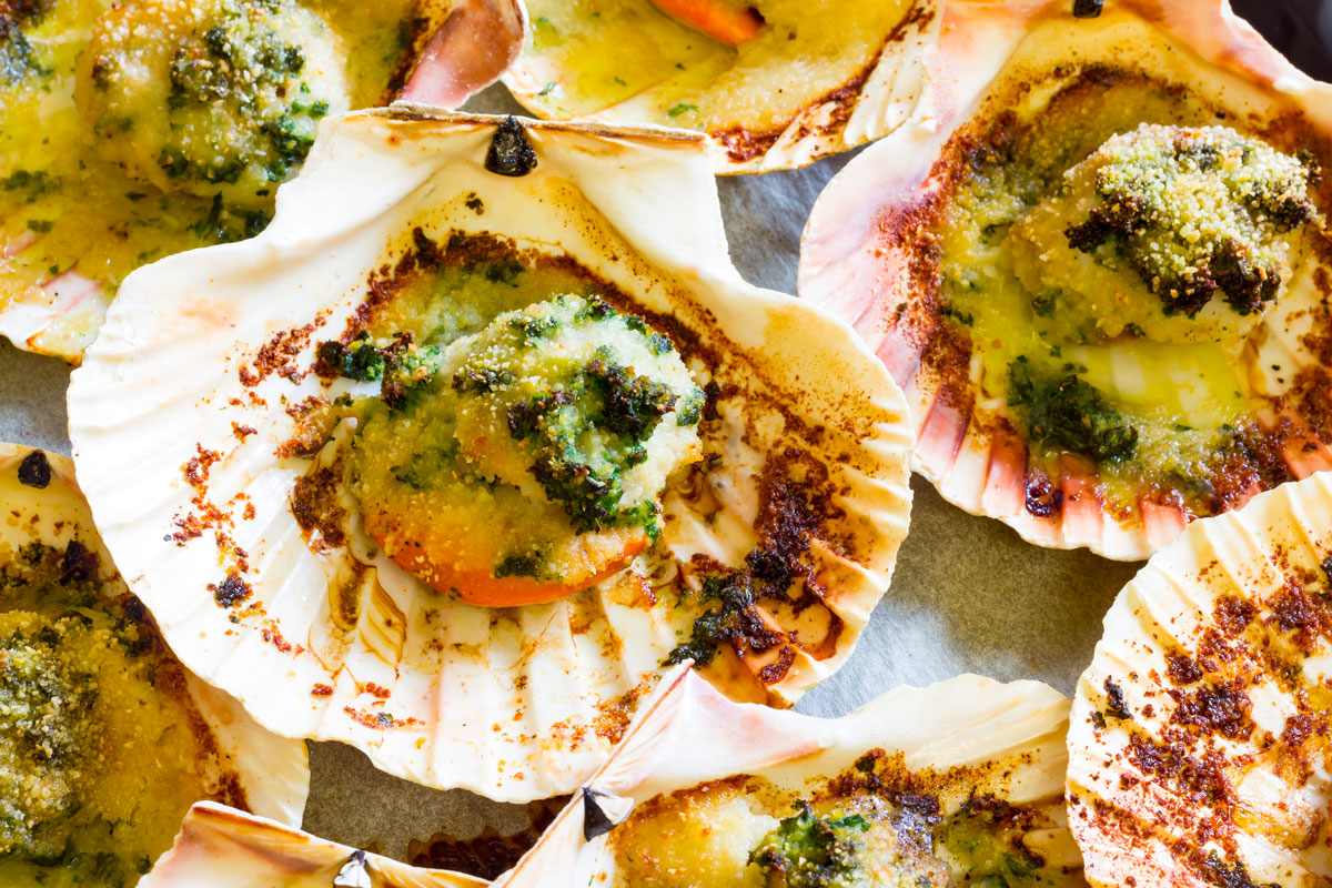 Capesante in tre varianti, per un piatto di pesce gourmet