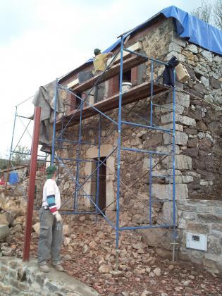 Rehabilitacion completa cuadra pajar en Grado  Grado