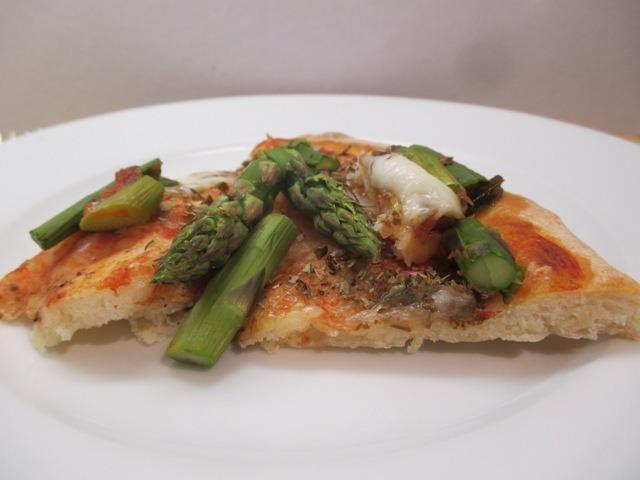 Spárgás pizza szelet 1
