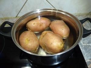 Krumpli főzése héjában, egészben 1