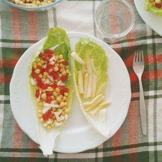 Ensalada de lechuga con garbanzos y pimentn  Platos