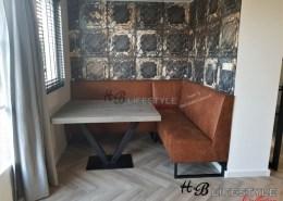 Eetkamer hoekbank op maat metalen onderstel
