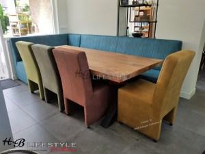 kleurrijke eettafel hoekbank