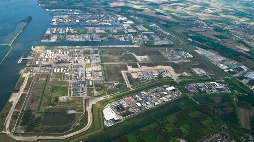 Moerdijk: The fourth estate