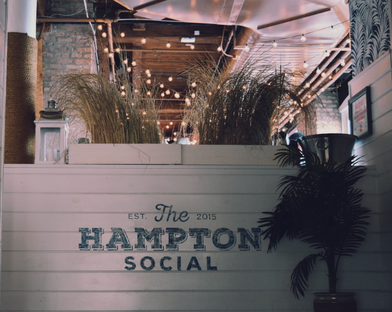 The Hampton Social brings the best of the East Coast to the Windy City.