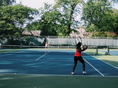 Girls tennis team defeats Glenbard West