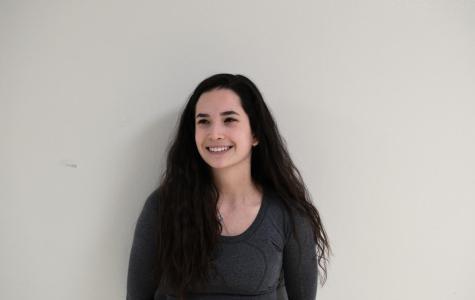 Gabby Costello, junior (Online)