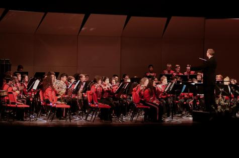 """Bandamonium"" concert shows middle schools the HC band program"