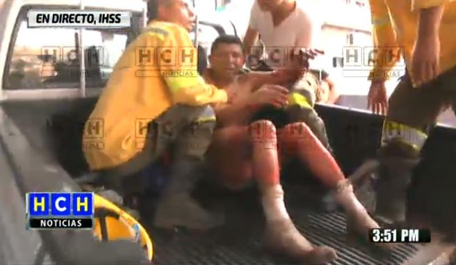 Cinco bomberos a punto de morir entre llamas en un incendio en La Montañita