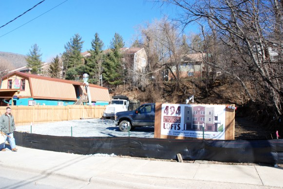 The 494 Lofts apartment complex is expected to be ready by August 2014. Photos by Ken Ketchie