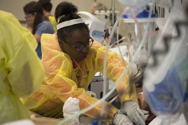 pr-nursing-student-cares-for-patient