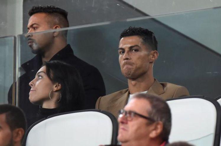 Cristiano Ronaldo Oo Tarabuunka Ka Daawaday Kulankii Uu Dybala Kala Diray Young Boys