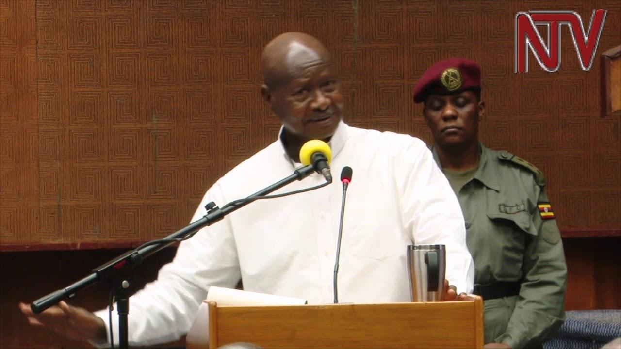 Madaxweynaha Uganda oo sheegay in Aanay Somalia dawlad ahayn iyo Jawaabta ay ka bixisay