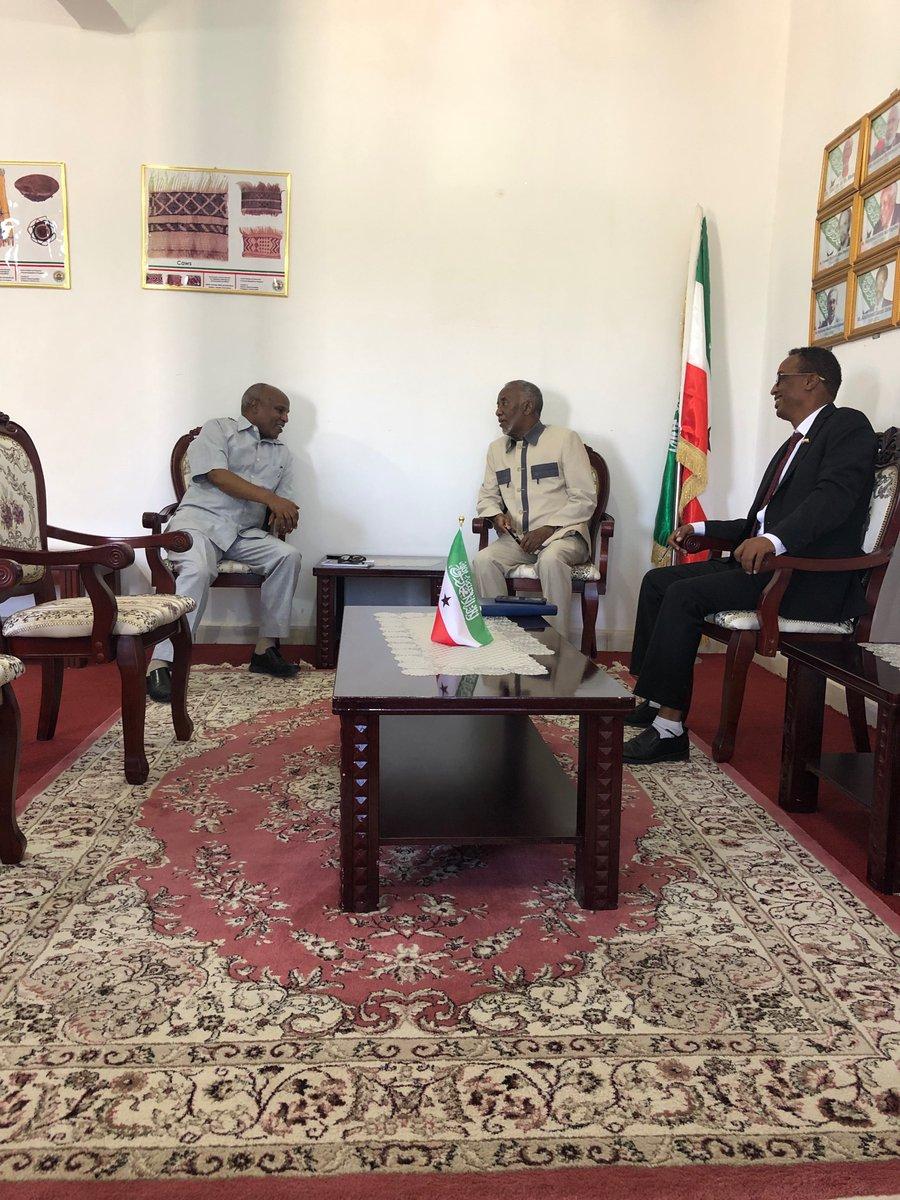 Wasiir Khaarajiyaha Somaliland Oo Xafiiskiisa Ku Qaabilay Safiirka Ethiopia