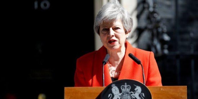 Theresa May Oo Ku Dhawaaqday Inay Is-casishay