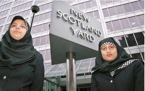 Xijaabka Oo Loo Fasaxay Dumarka Ku Jira Booliska Scotland