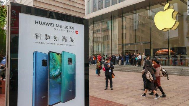 Agaasimaha Huawei Oo Yidhi 'Shiinuhu Waa Inaanu Ciqaabin Apple'