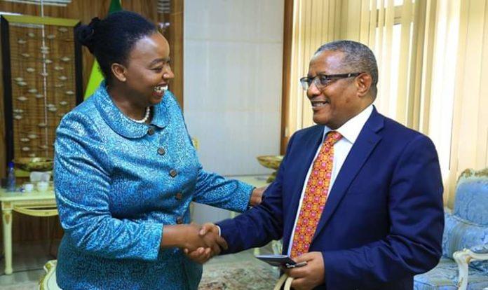 Wasiirka Arimaha Dibada Ethiopia Oo La Kulmay Dhigiisa Kenya