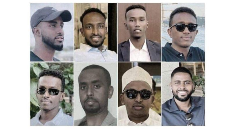 Al-Shabaab Oo Sheegatay Masuuliyadda Qarax Xalay Ka Dhacay Muqdisho Oo Dhalinyaro Badani Ku Dhinteen