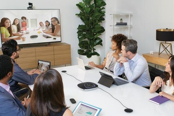 logitech group sistema videoconferenza
