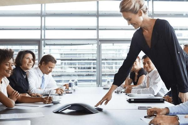 riunione di lavoro conference call con garanzia