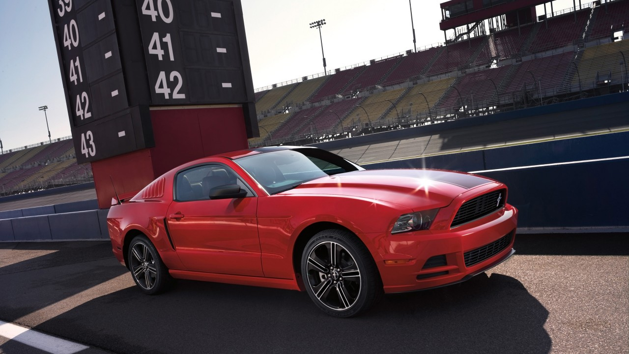 Iphone Muscle Car Wallpapers 2014 Ford Mustang Gt Wallpaper Hd Car Wallpapers Id 3913