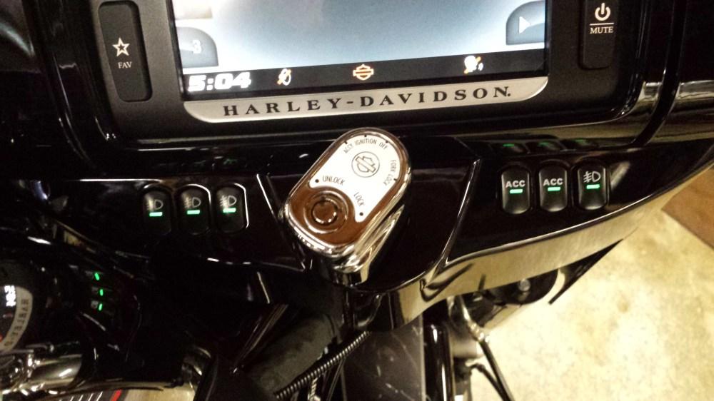 medium resolution of right hand dash accessory switch flhtk 20150810 170431 jpg