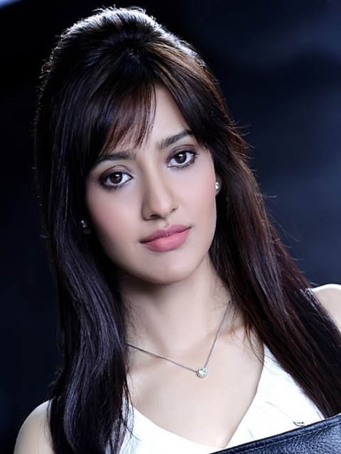 Awesome Cute Wallpapers For Mobile Neha Sharma Wallpaper Hd Wallpapers Hd Backgrounds