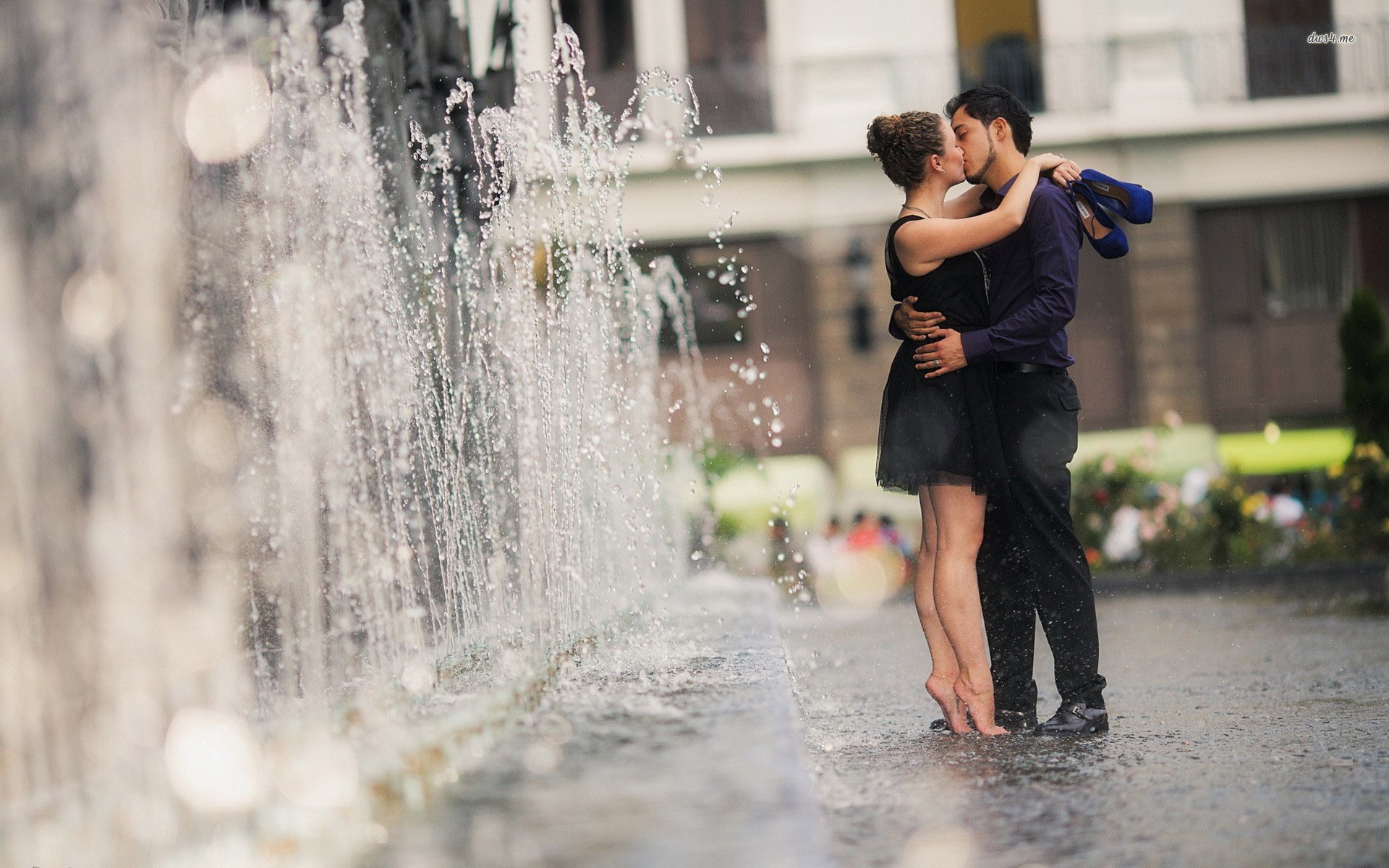 Kiss Day Hd Wallpaper With Quotes Kissing Couple Wallpapers Pictures Images