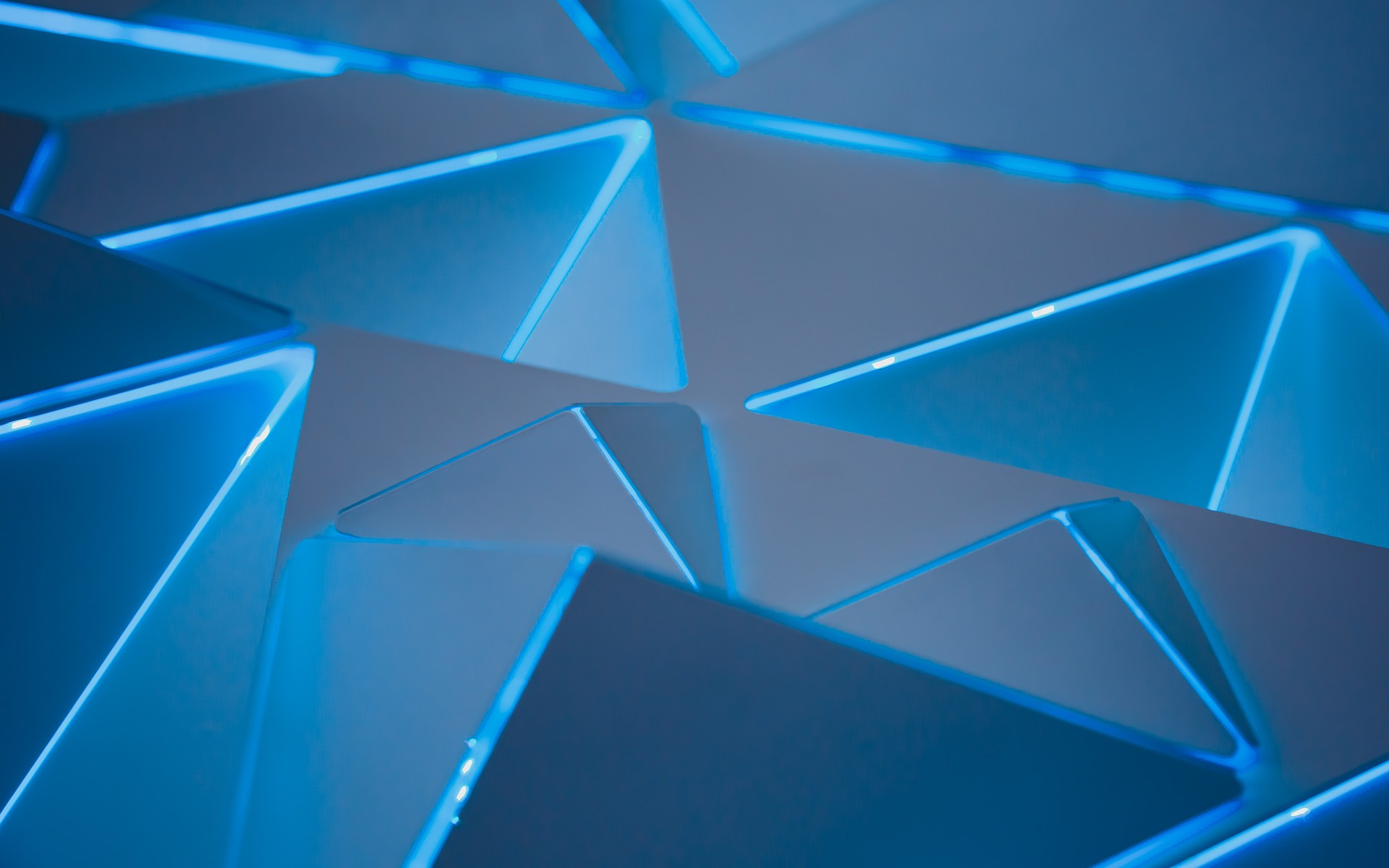 3d Moving Wallpaper Iphone 6 3d Blue Triangles Wallpapers Hd Wallpapers Id 24665