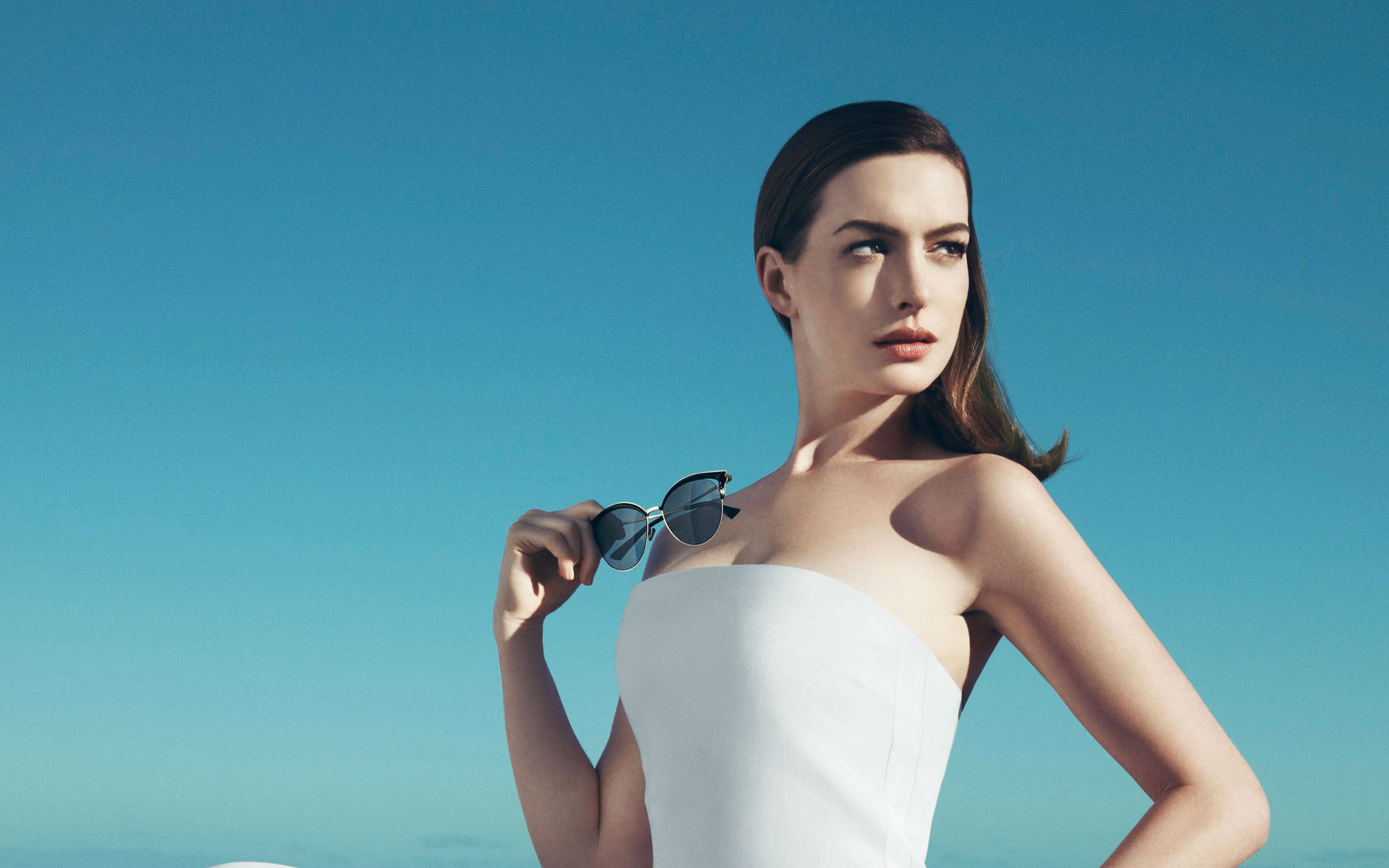 Glasses Anime Girl Wallpaper Anne Hathaway 2017 Wallpapers Hd Wallpapers Id 20052