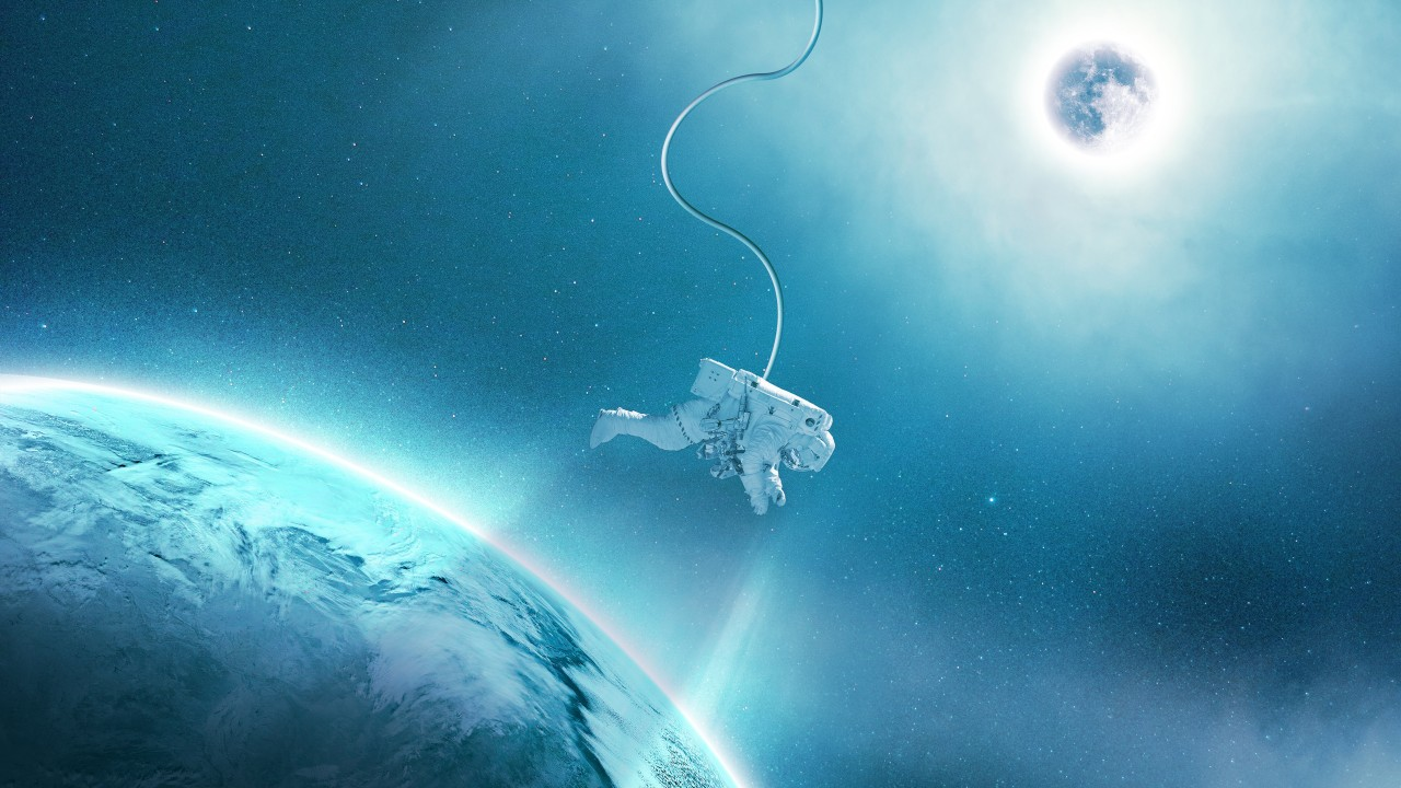 Creative Wallpapers For Iphone X Astronaut In Space 4k Wallpapers Hd Wallpapers Id 27855