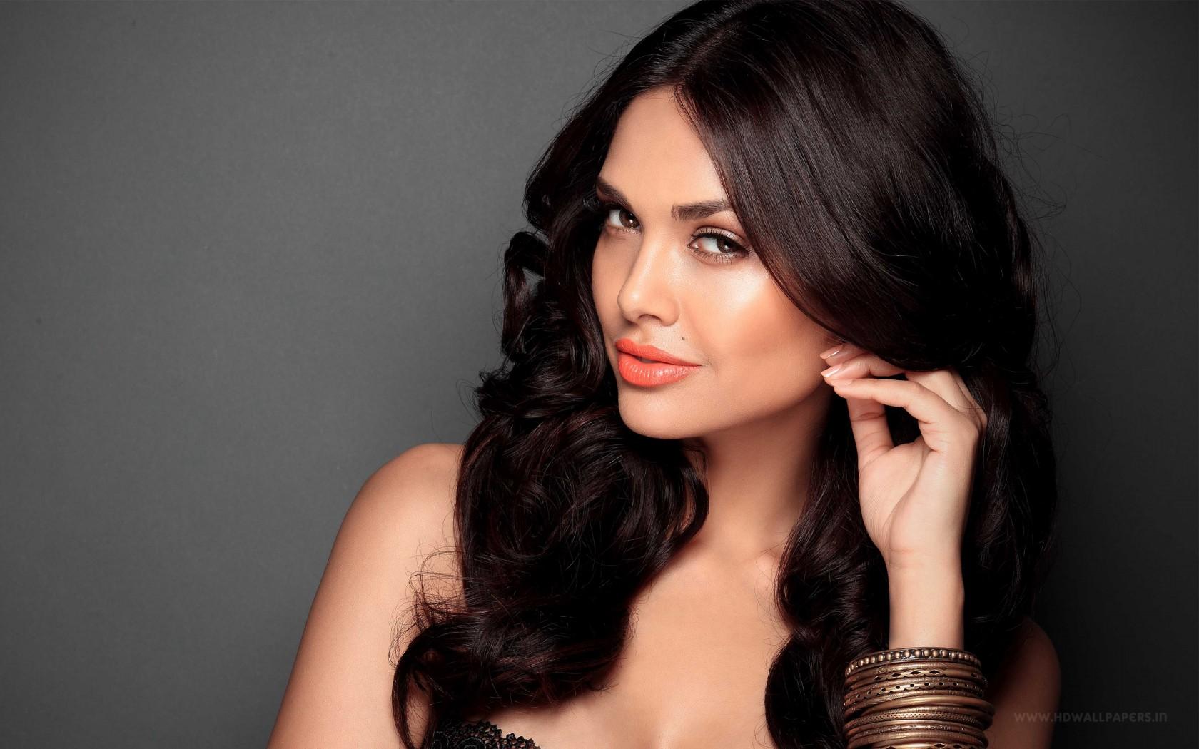 Madhurima Hd Wallpaper Bollywood Heroine Esha Gupta Wallpapers Hd Wallpapers