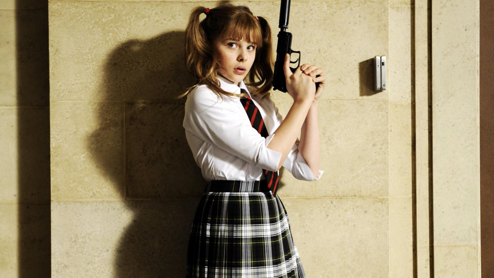 Girl Gun Desktop Wallpaper Chloe Moretz As Hit Girl In Kick Ass Wallpapers Hd