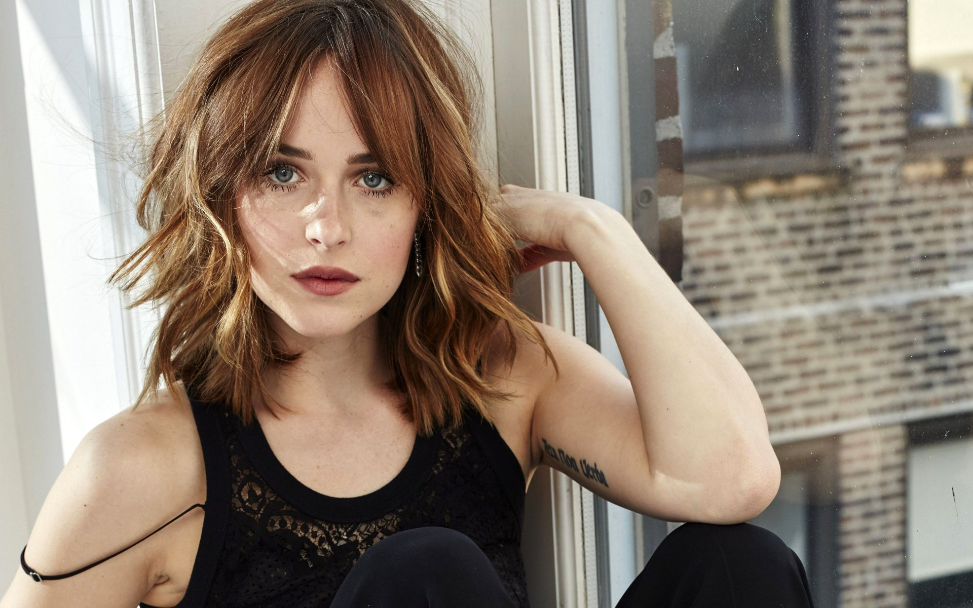 Dakota Johnson 2017 Wallpapers Hd Wallpapers Id 19851
