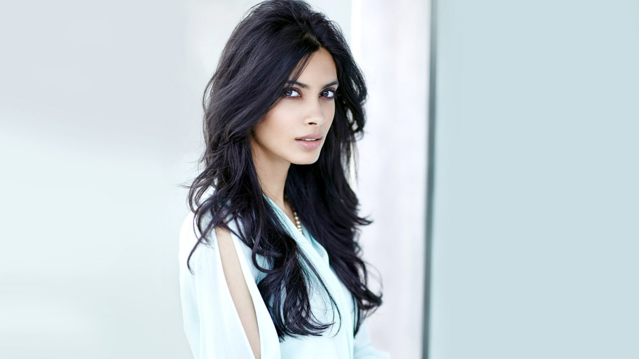 Cute Iphone 5s Wallpaper Diana Penty Wallpapers Hd Wallpapers Id 14100