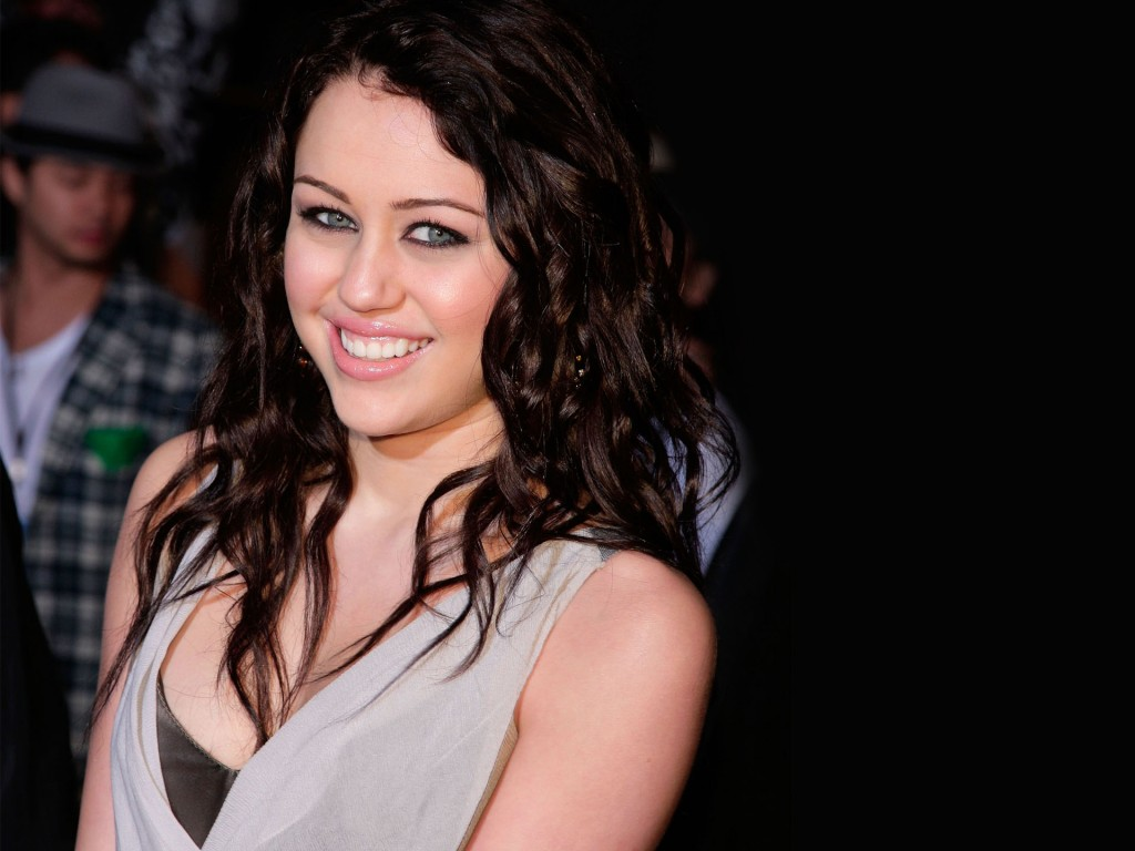 Cute Styles Girl Wallpaper Hannah Montana And Miley Cyrus Wallpapers Hd Wallpapers