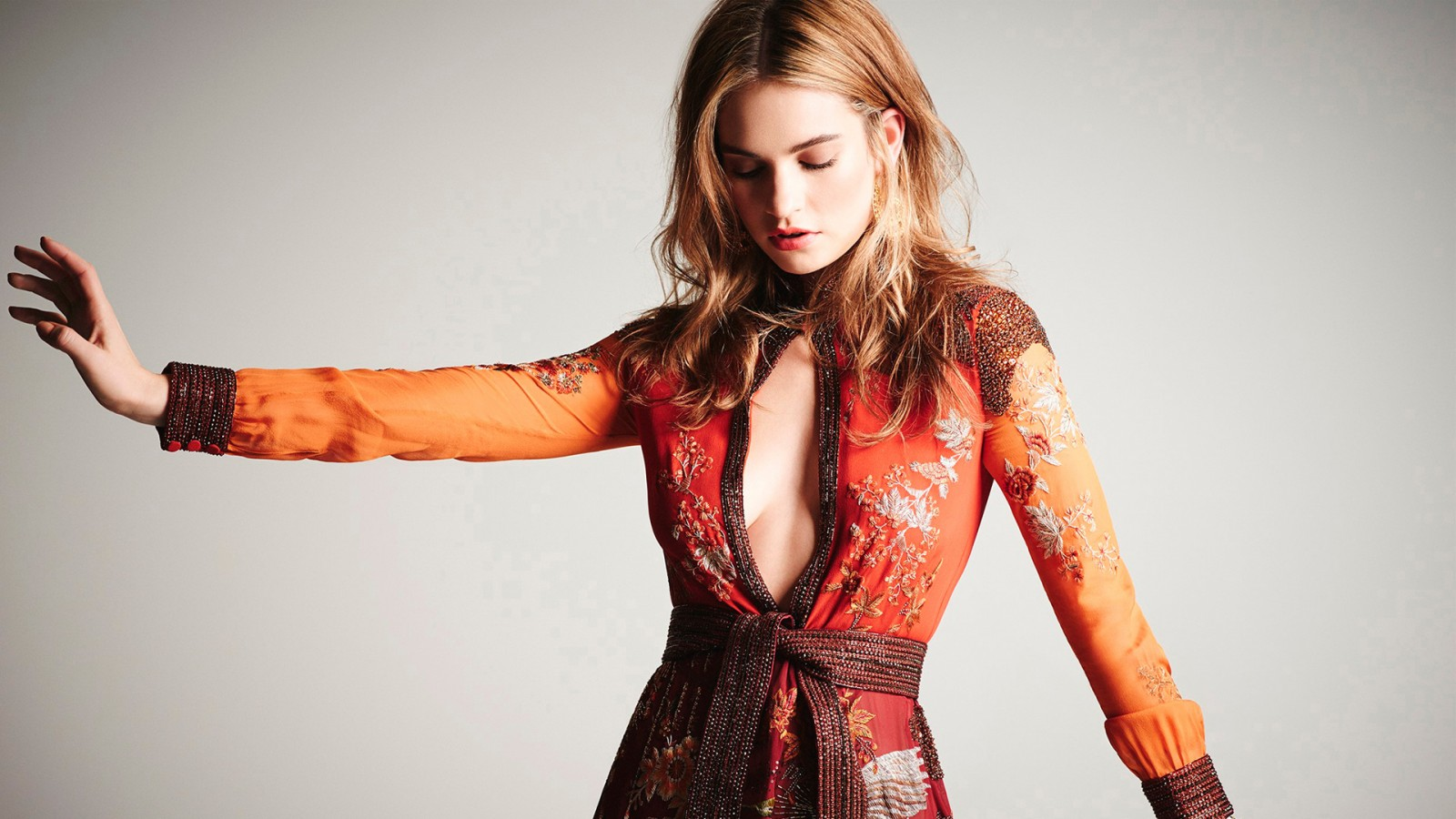 Iphone Wallpaper Hd Red Lily James 2015 Wallpapers Hd Wallpapers Id 15015