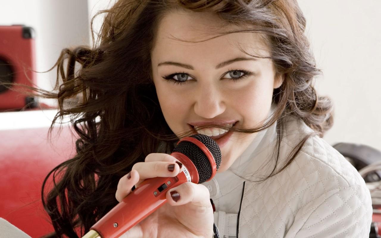 Wallpaper Selena Gomez Hd Miley Cyrus 54 Wallpapers Hd Wallpapers Id 7815