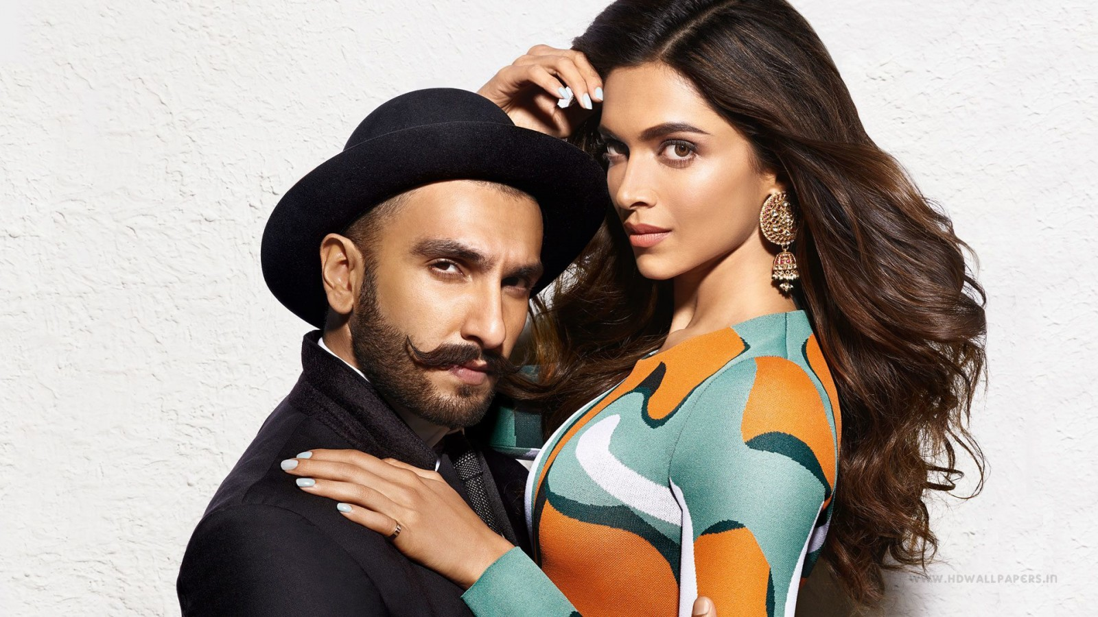 Bollywood Cute Couple Hd Wallpaper Ranveer Singh Deepika Padukone Wallpapers Hd Wallpapers